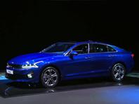 В Kia раскрыли цены и комплектации седана K5 в России