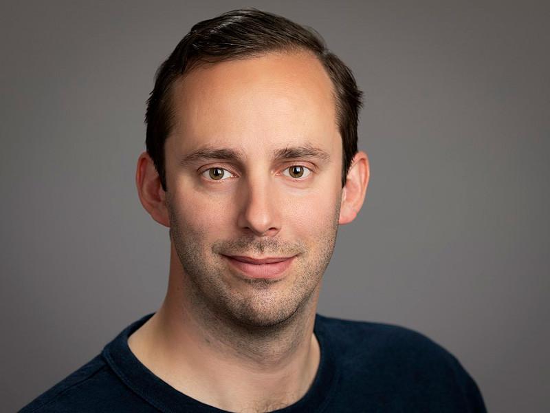 Окружной суд США в Сан-Франциско приговорил бывшего инженера Google Энтони Левандовски к 18 месяцам тюремного заключения по делу о краже коммерческой тайны. Речь идет о краже технологий беспилотных автомобилей