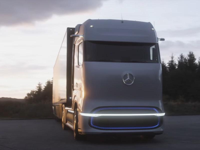 Компания Mercedes-Benz представила футуристичный водородный грузовик с запасом хода в 1000 километров