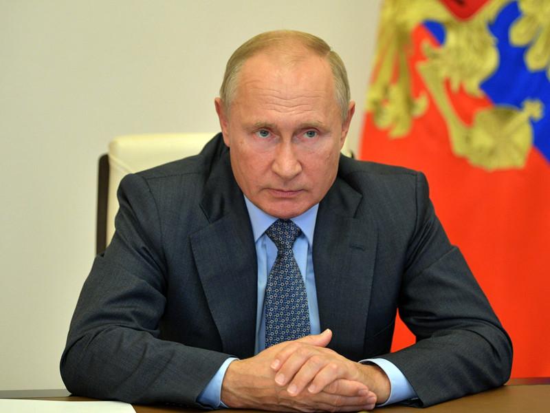 Президент России Владимир Путин подписал закон о регулировании проезда по платным дорогам и правилах формирования тарифов на проезд по ним