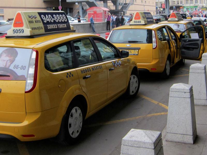 Московские таксисты попросили мэрию обеспечить их средствами индивидуальной защиты за счет бюджета