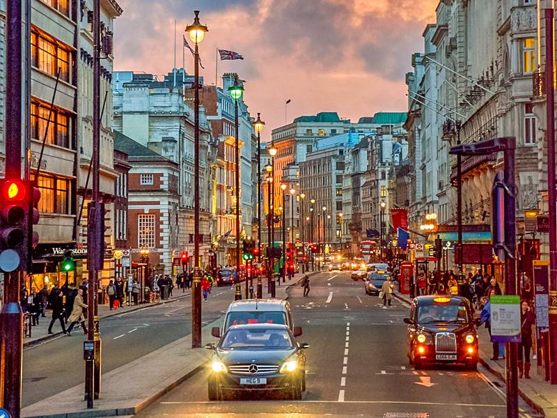 Запрет на продажу новых машин с ДВС в Великобритании вступит в силу на пять лет раньше, чем планировалось