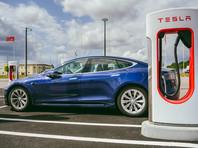 Национальное управление безопасностью движения на трассах (NHTSA) США обязало компанию Tesla отозвать 158 тыс. электрокаров Model S и Model X для устранения дефекта, который может привести к внезапному отключению сенсорного дисплея и создать угрозу аварии