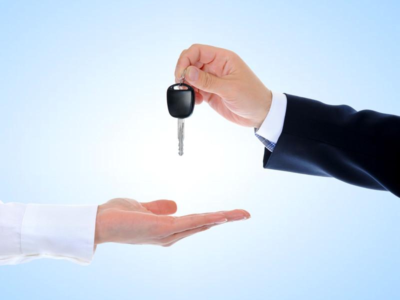 Российские продажи машин премиум-класса упали на 7,6%