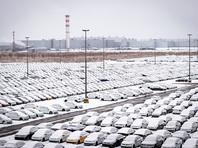 Продажи новых машин в России упали на 4,2%
