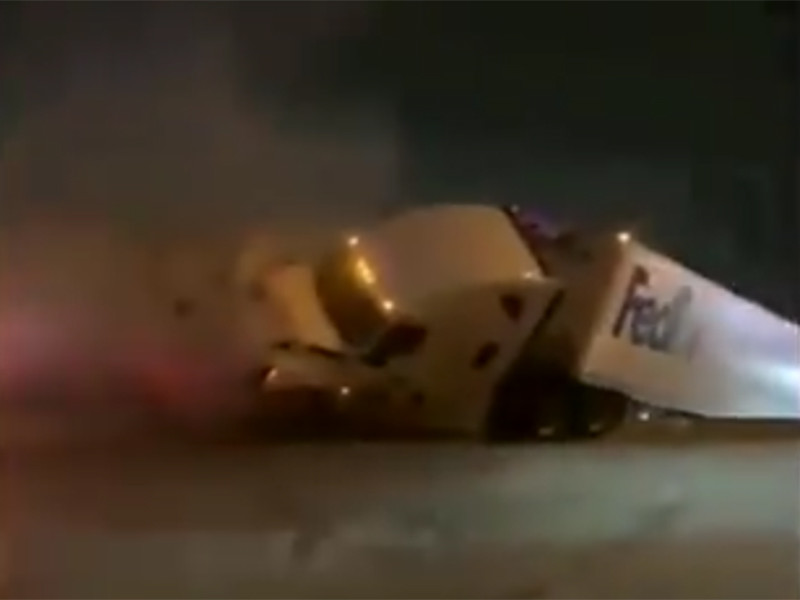 В США на обледеневшей дороге столкнулись более 130 машин