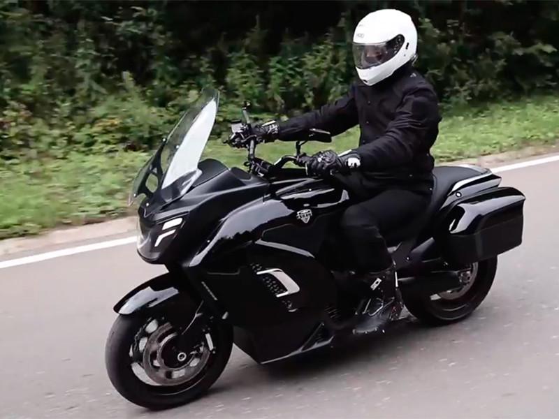В Минпромторге показали прототип электрического мотоцикла Aurus
