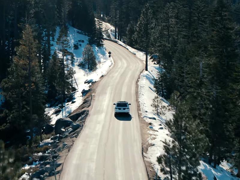 Компания Jeep представила внедорожники Wagoneer и Grand Wagoneer