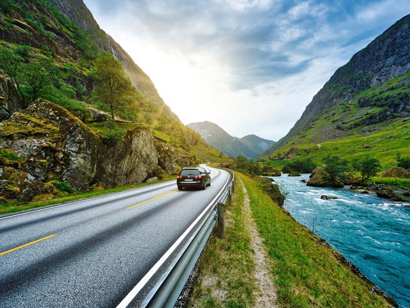 Месячные продажи дизельных и бензиновых машин в Норвегии второй раз в истории упали ниже 10%