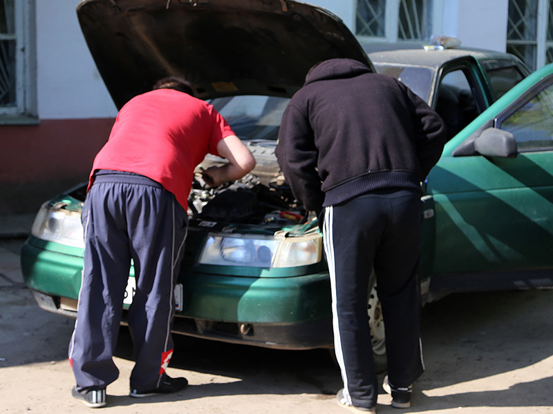 Из-за кризиса россияне стали меньше тратить на ремонт автомобилей и неисправные машины заполонили дороги страны