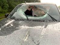 В США кусок асфальта насквозь прошил пикап Ford F-150 после удара молнии (ФОТО)