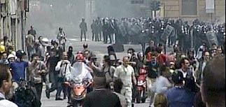 Жители Генуи готовы встать на защиту города от анархистов