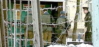 Бежавшие десантники убили 6 и ранили более 2-х человек