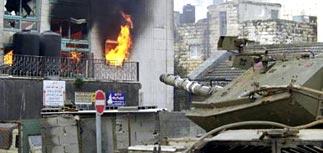 Израильские танки штурмуют резиденцию Арафата