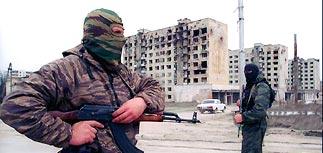 Пьяные российские военные расстреляли автобус в Чечне