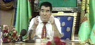 Ниязов отобрал у россиян недвижимость в Туркменистане