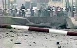 Американцы взорвали машину с террористом у ворот своей базы: 60 ранены. ФОТО