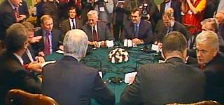 В Киеве проходит встреча Кучмы, кандидатов в президенты и посредников