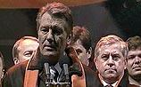 Ющенко призвал сторонников блокировать здание правительства