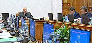 """Правительство обсудило СМИ, культуру и """"дебилизацию"""""""