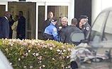 Майклу Джексону стало плохо по пути в суд, его доставили в больницу