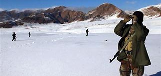 Разбившийся в снежной буре Boeing с россиянами могли сбить талибы