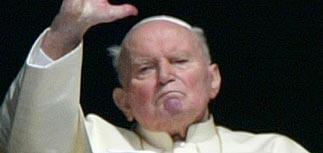 Папа Римский не в коме и узнает окружающих