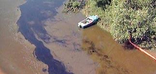 Мазут дойдет до Твери через 3 суток. Воду из открытых источников пить нельзя