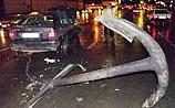 Пьяные офицеры ВМФ отметили в Питере выпуск аварией с якорями