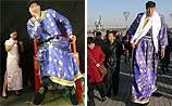 Самым высоким человеком в мире признан китаец ростом 236,1 см (ФОТО)