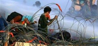 Полиция и армия штурмуют синагоги в секторе Газа