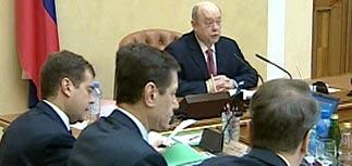 Инфляция одолела правительство.   Фрадков объявил план борьбы