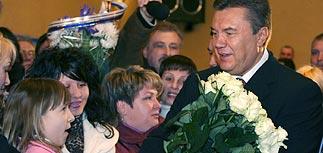 """Янукович ушел вперед. Ющенко вынужден собирать """"оранжевых"""""""