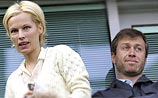 Британские СМИ: Абрамович может лишиться $9 млрд из-за девушки Даши