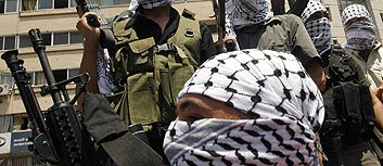 """Хамас"" берет сектор Газа, ""Фатх"" идет W.Bank"