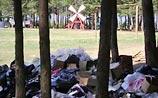 """""""Наши"""" загадили озеро Селигер: груды мусора и водка """"Путинка"""""""