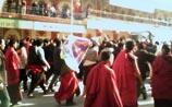 Беспорядки в Тибете: взрывы, выстрелы, монахи жгут машины полиции. Идет поиск российских туристов