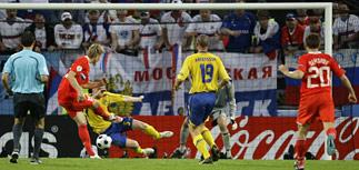 Россия и Швеция бьются за путевку в 1/4 финала ЕВРО-2008