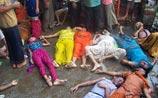 Страшная давка у храма на севере Индии - минимум 130 погибших