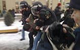 Беспорядки докатились до Вильнюса. Толпа поджигала Сейм