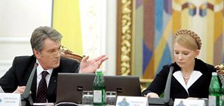Путина и Тимошенко сравнили с Молотовым и Риббентропом
