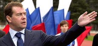Путин и Медведев пожурили сочинские стройки за бюрократию
