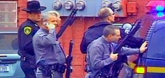 Стрельба с захватом заложников  в США: десятки убитых и раненых