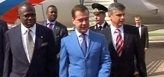 Медведев обещает президенту Нигерии миллиарды долларов