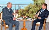 Лукашенко заверил Медведева, что всё же заинтересован в  КСОР. О признании Абхазии и ЮО молчат