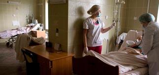 """Ученые: грипп на Украине мутировал и """"сжигает легкие"""""""