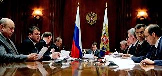 Военная доктрина: РФ имеет право первой применить ядерное оружие и ждет боевых роботов
