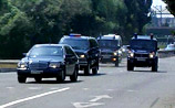 Силовики не понимают, почему на дороге валяются железки: пострадала машина Путина