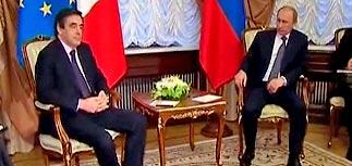 О судьбе химкинской трассы не сказали даже премьеру Франции. Путин велел ждать