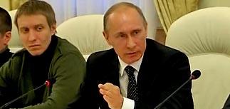 Путин возложил цветы на могилу фаната Свиридова, из-за которого поднялись националисты